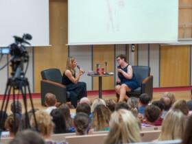 Ester Ledecká diskutovala se studenty a žáky Společenství škol