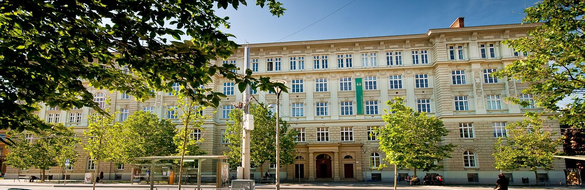 Fakulta sociálních studií (FSSMU)
